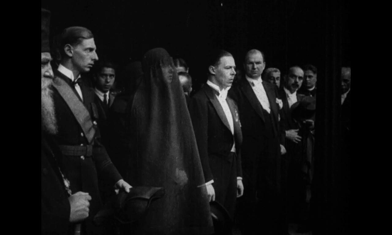 De ce trag clopotele? Documentare funerare (1914–1934)